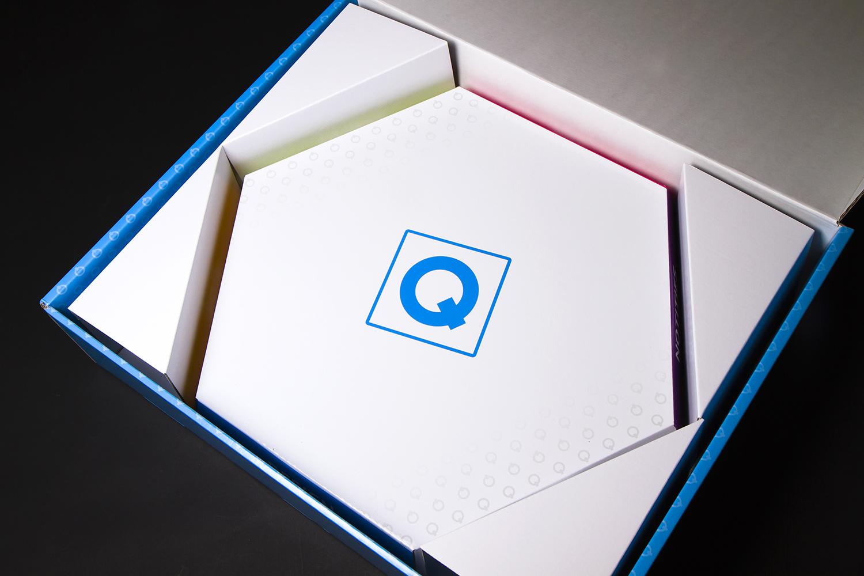 Code Qube Light verpakking en display stevig karton